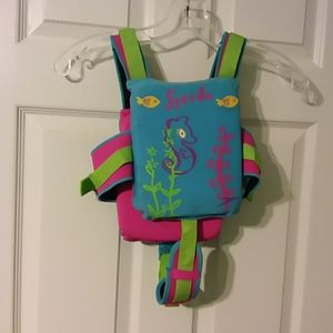 Speedo life jacket. Size, 2-4 yr old.
